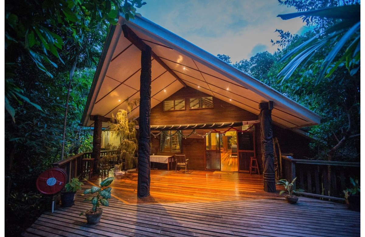 TAWALI LEISURE AND DIVE RESORT I 7 NIGHTS + 6 DAYS OF DIVING I MILNE BAY I PAPUA NEW GUINEA