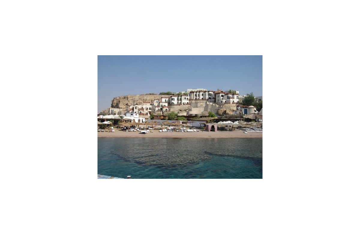 SHARKS BAY UMBI RESORT I COMBO OFFER I 5 NIGHTS HOTEL + MINI SAFARI 3 DAYS / 2 NIGHTS I SHARM EL SHEIKH I RED SEA
