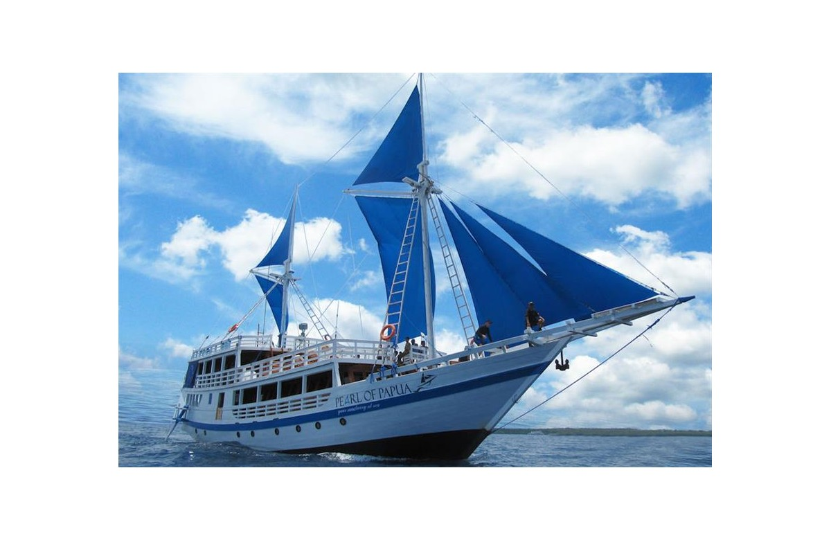 PEARL OF PAPUA I FULL CHARTER I 8 NIGHT I RAJA AMPAT I INDONESIA
