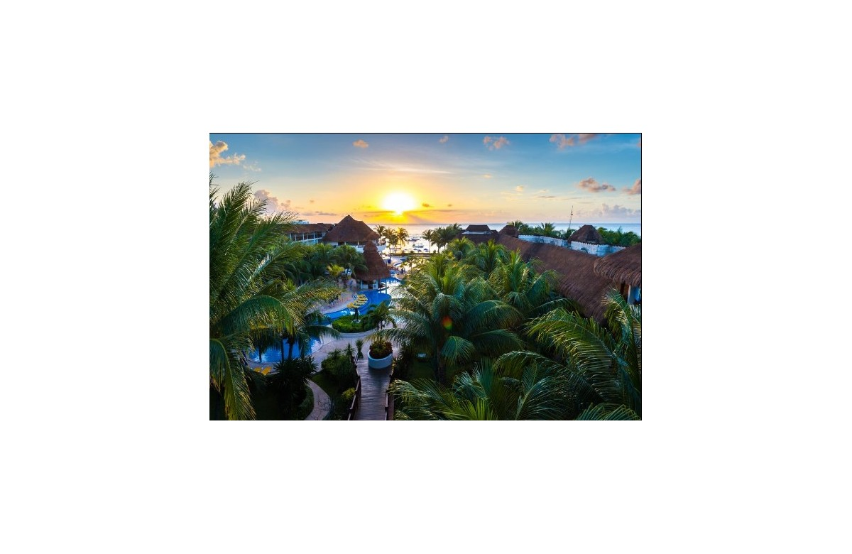 THE REEF COCO BEACH RESORT I 7 DAYS ALL INCLUSIVE + 5 DAYS OF DIVING + FLIGHTS AND TRANSFERS I PLAYA DEL CARMEN I MEXICO